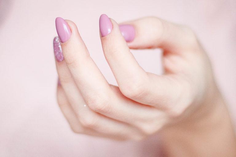 zmiany na paznokciach